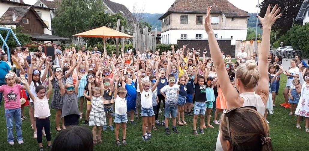 Flashmob Teddy Eddy Schulfest