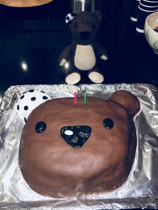 Teddy Eddy Schoko Geburtstagskuchen
